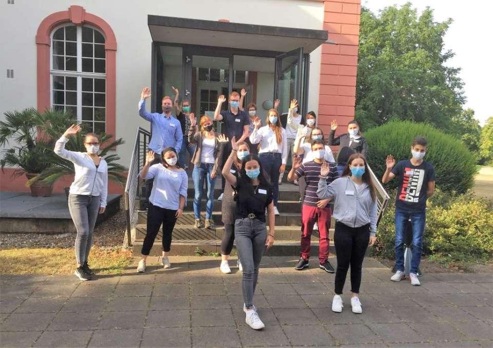 16 junge Menschen starten ihre Ausbildung bei den Vereinigten Hospitien