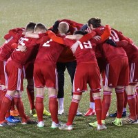 Der FSV Trier-Tarforst motiviert sich vor dem Spiel - Foto: Wolfgang Ziewers