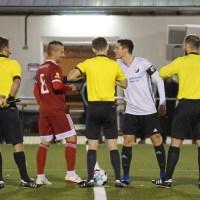 Beide Teams vor wenigen Wochen beim Rheinlandpokal-Spiel - Foto: Wolfgang Ziewers