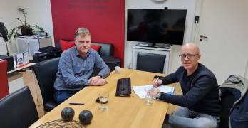 Foto: 5vier.de - (links Andreas Peters / rechts 5vier.de-Redakteur André Mergener