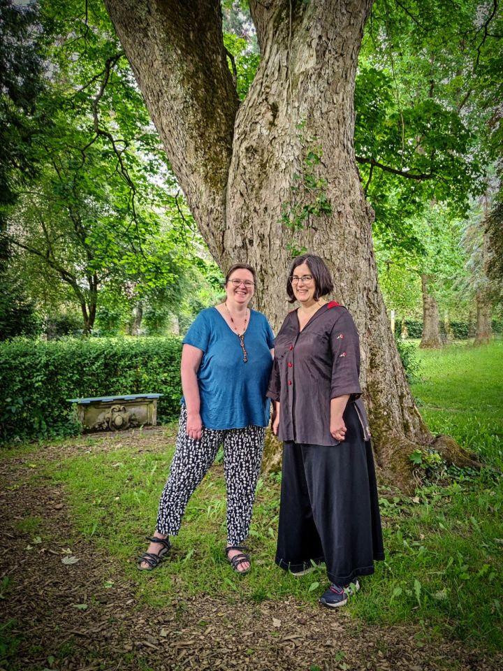 Die Dozentinnen der Veranstaltung Anja Geishecker und Dr. Kathrin Baumeister. Bildrechte: Anja Geishecker