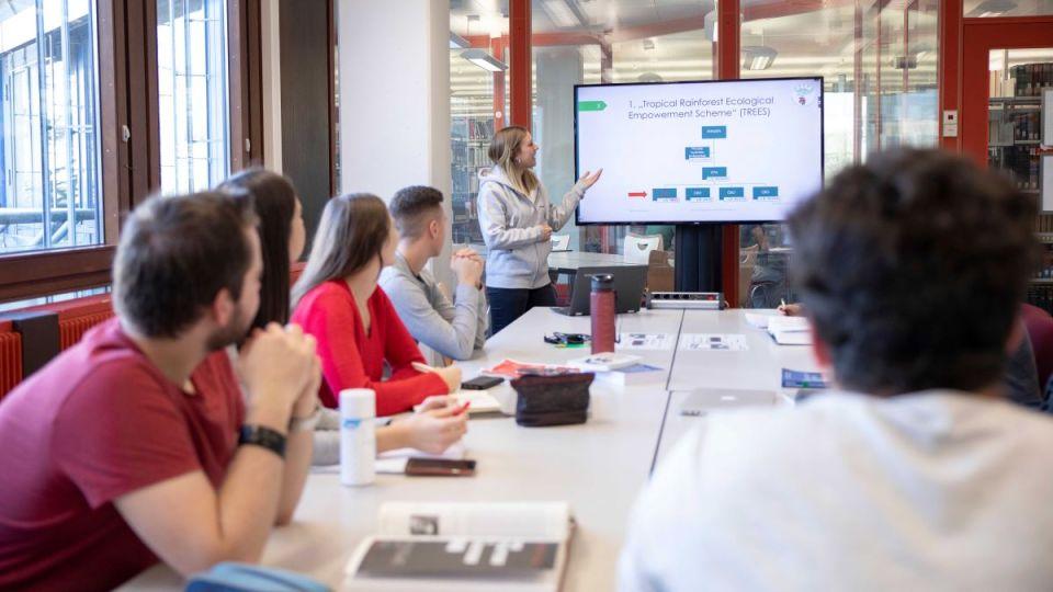 Mehr Digitalkompetenzen für Studierende