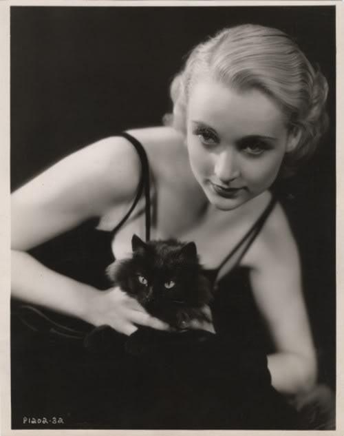 famouspeoplewithcats: Carole Lombard.