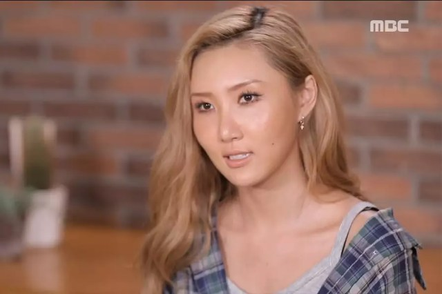 """MAMAMOO's Hwasa Buys New Car And Shares Story About Driving On """"I Live Alone"""""""