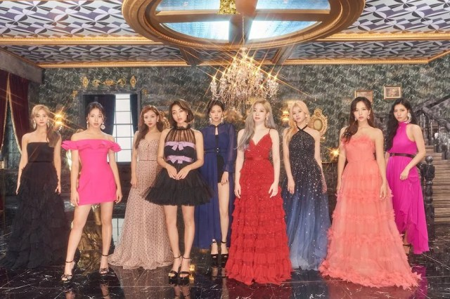 """TWICE's """"Feel Special"""" Becomes Their Fastest MV To Reach 100 Million Views"""