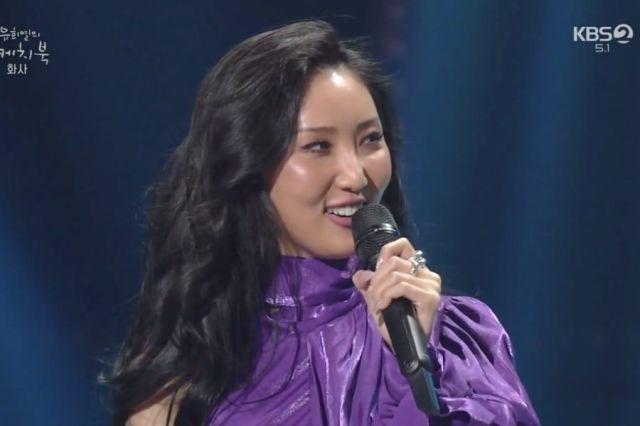 MAMAMOO's Hwasa Reveals The K-Pop Boy Group Hit She Enjoys Singing When Drunk