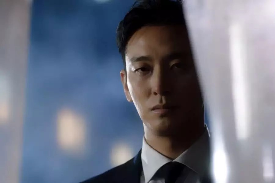 """Watch: Joo Ji Hoon Experiences Mystery And The Supernatural In First Teaser For """"Item"""""""