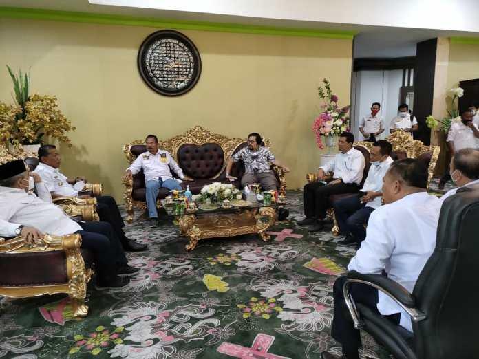 DPRD Provinsi Gorontalo Bersama Bupati Bolmong Utara Cari Solusi Tangani Banjir