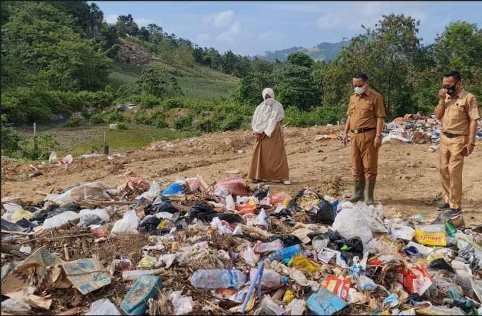 Setiap Hari Sedikitnya 6 Ton Sampah Diangkut Ke TPA Tomilito