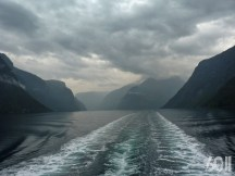 La rencontre du Nærøyfjord et de l'Aurlandsfjord