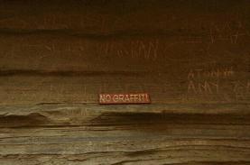 hells-gate-national-park-kenya-gorge-grafitti-3529