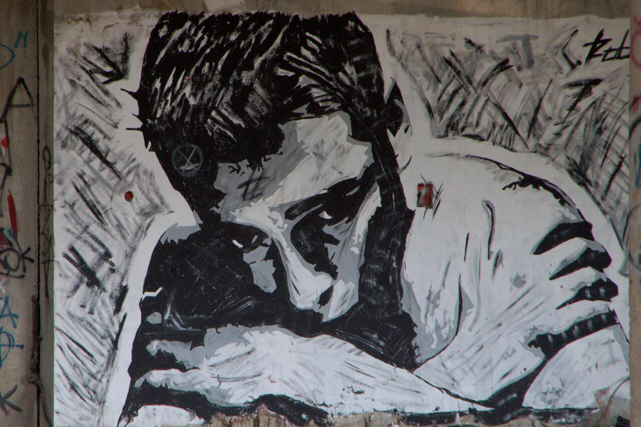 Streetart in Mostar: this reminded me a little of the works of Berlin streetartist ALIAS