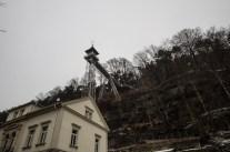 Dieser Aufzug in Bad Schandau wurde schon vor über 100 Jahren von einem Hotelier gebaut um Gäste anzulocken. Oben befindet sich ein - von der Stadt Berlin gestiftetes Luchs-Gehege.