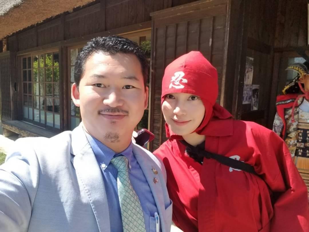 Khun May Pitchanart with Japan Royal Service