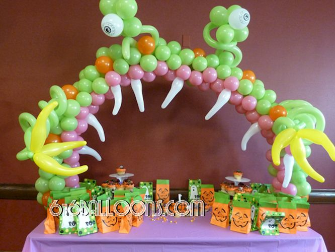 Monster table arch balloon sculpture by 616Balloons.com Grand Rapids, Michigan. Premium balloon art & decor. Corporate events, private parties..