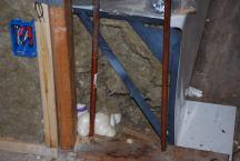 Sound insulation stuffed under tub