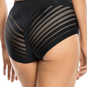 This classic panty is made of smooth stretch fabric in the front with an advanced lace with... , Sat, 03 Jul 2021 09:36:42 +0100