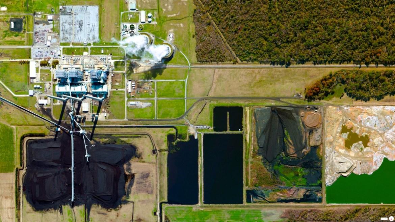 Big Cajun II Coal Plant New Roads, Louisiana, USA 30°41′47″N 91°26′20″W
