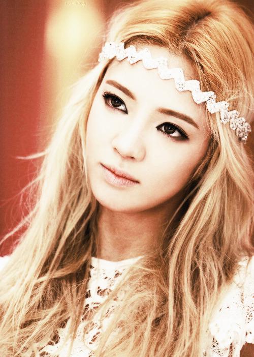 Imagini pentru snsd hyoyeon