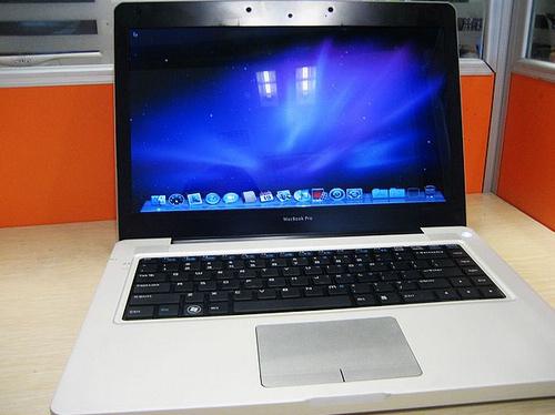 Hey, My Fake MacBook Pro Runs OS X – MacStories