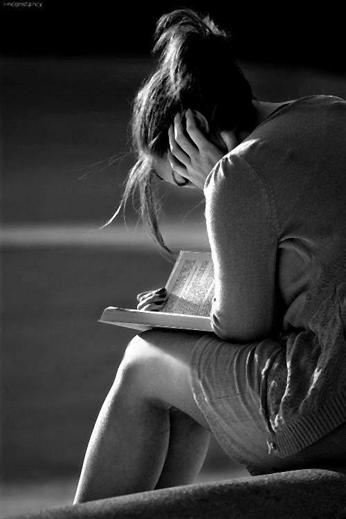 Leggo perché la vita non mi basta. - Fernando Pessoa