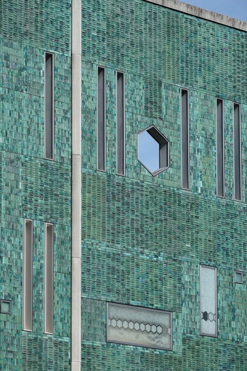 De Bijenkorf department store, tiled facade by… – Abandoned Playgrounds