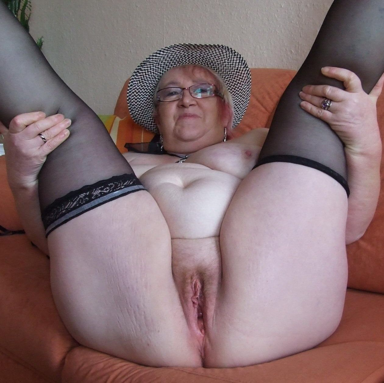 Nude in public lenka
