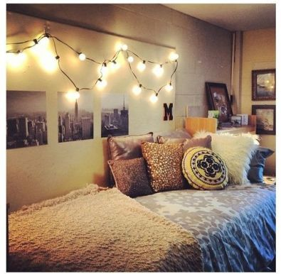 String lights along well in dorm room on Clique Tips