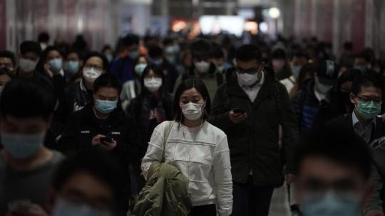 ¿Quién gana con el miedo al coronavirus?