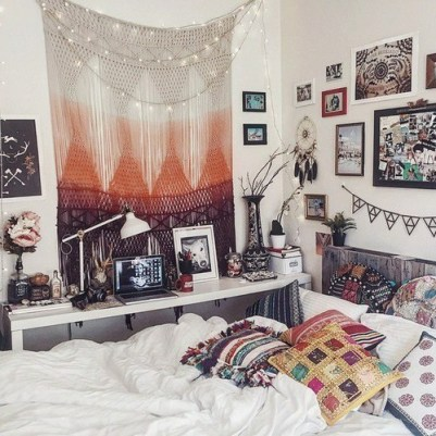 Boho Dorm Room on Clique Tips