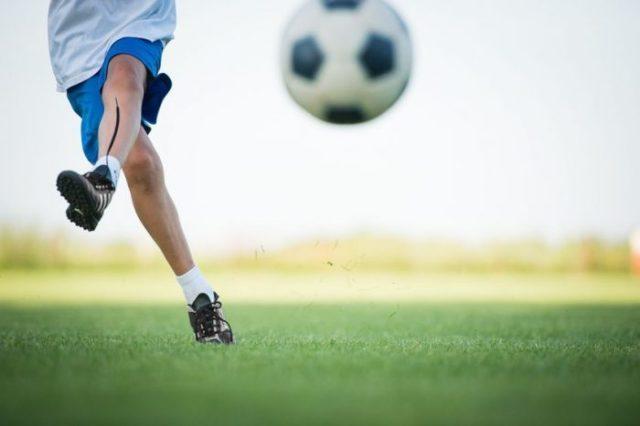 Un portero de 11 años para un partido para defender a la árbitra y pedir mesura a los padres en la grada