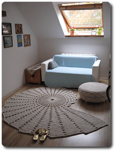 Seashell Carpet – a free crochet pattern by Magic Carpet Studio.