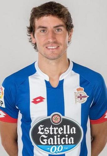Pedro Mosquera Parada, más conocido como Mosquera (La Coruña, 21 de abril de 1988) es un futbolista español. Juega de mediocentro y su equipo actual es el Deportivo de La Coruña. Trayectoria: 2006-07 Real Madrid Castilla 2ª 2007-12 Real Madrid...