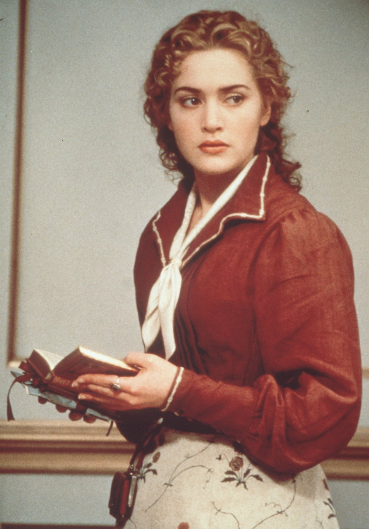 Kate Winslet reads as Ophelia in Hamlet (1996). Hamlet, son of the king of Denmark, is summoned home for his father's funeral and his mother's wedding to his uncle. In a supernatural episode, he discovers that his uncle, whom he hates anyway,...