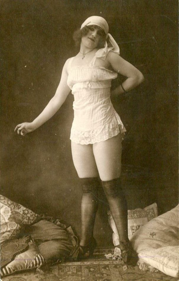5b21a1803 28 cool vintage pics that show what saucy Victorian ladies… – History