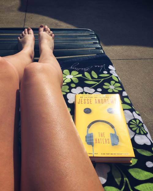 Poolside Read: The Haters by Jesse Andrews. A band. A road trip. A gig that maybe doesn't suck. #music #book #swaggiemaggiesviewfromthepit #poolside #musicblogger #booksaboutmusic #thehaters #jesseandrews #hotdogsorlegs