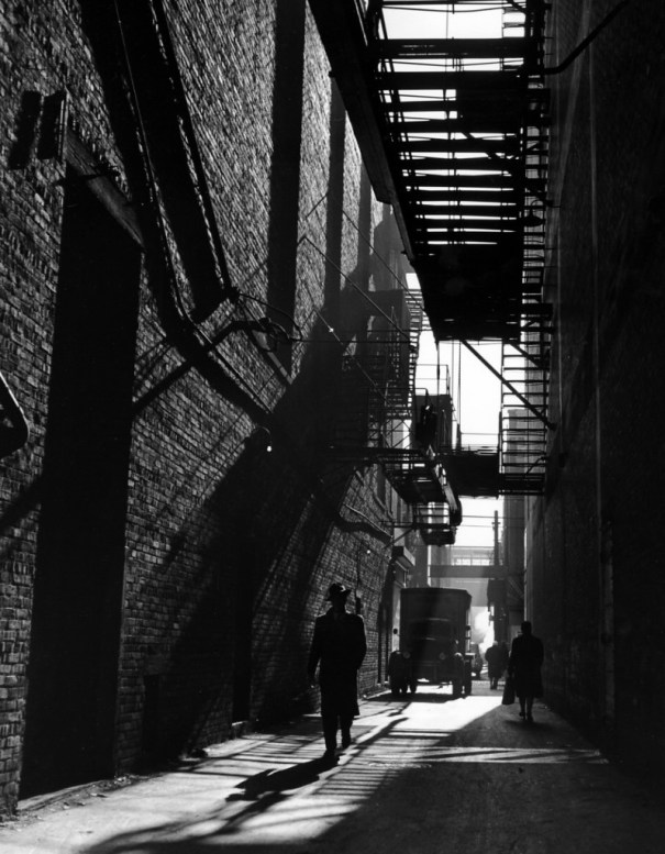 Chicago Alley 1946 Photographed By Ida Wyman History