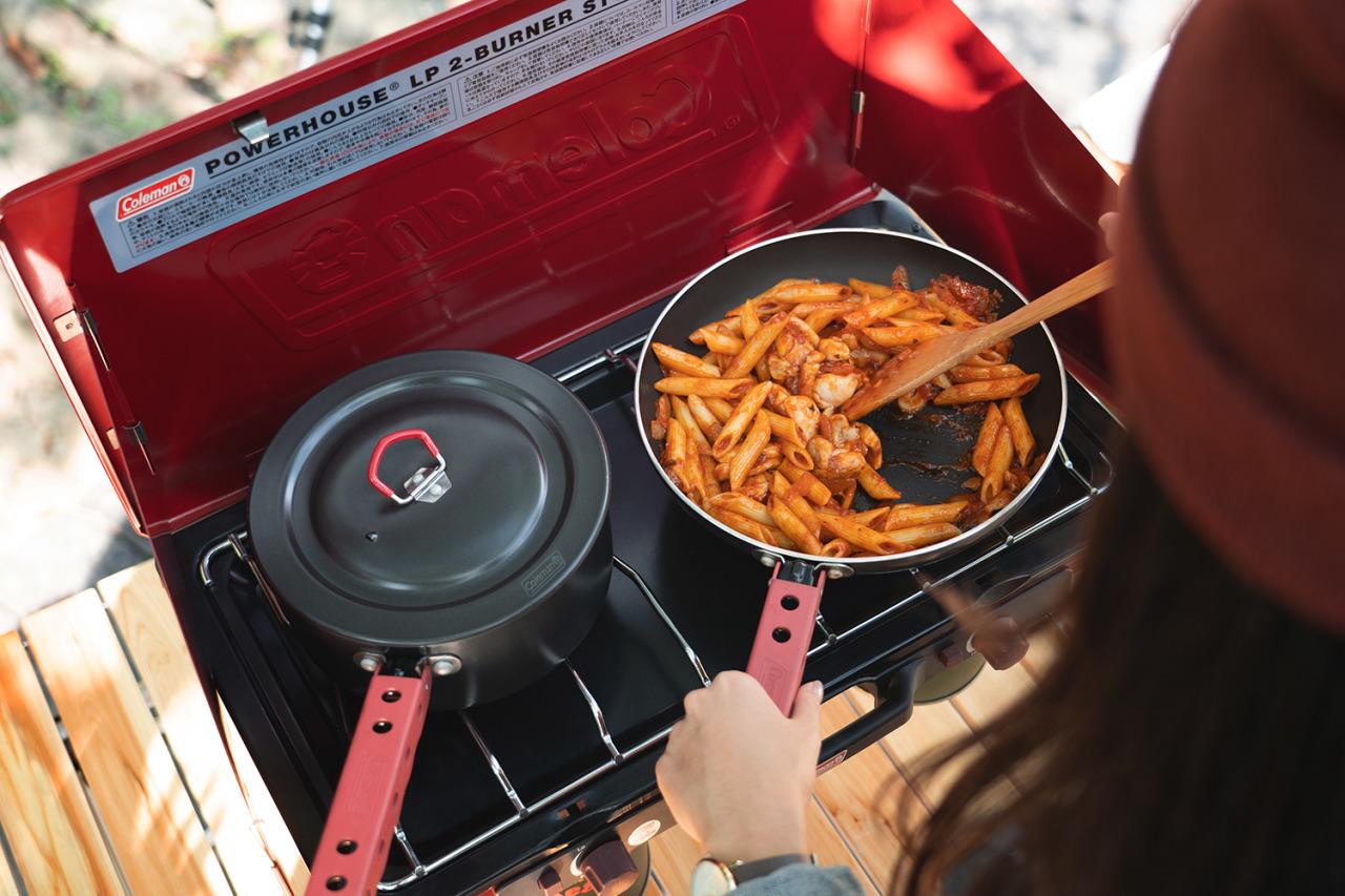 Yahoo -山林野趣 — 冬日輕鬆露!用瓦斯雙口爐烹調出暖入心坎的戶外料理