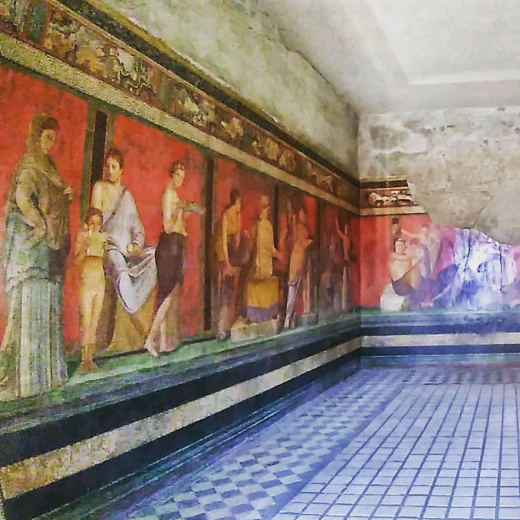 #pompei #villadeimisteri #rossopompeiano #history #architecture #room #religion #house #travel #traveling #visiting #instatravel...