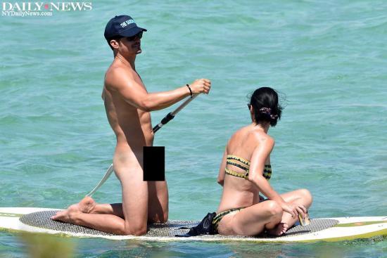 Orlando Bloom e Katy Perry passeiam de caiaque na Itália