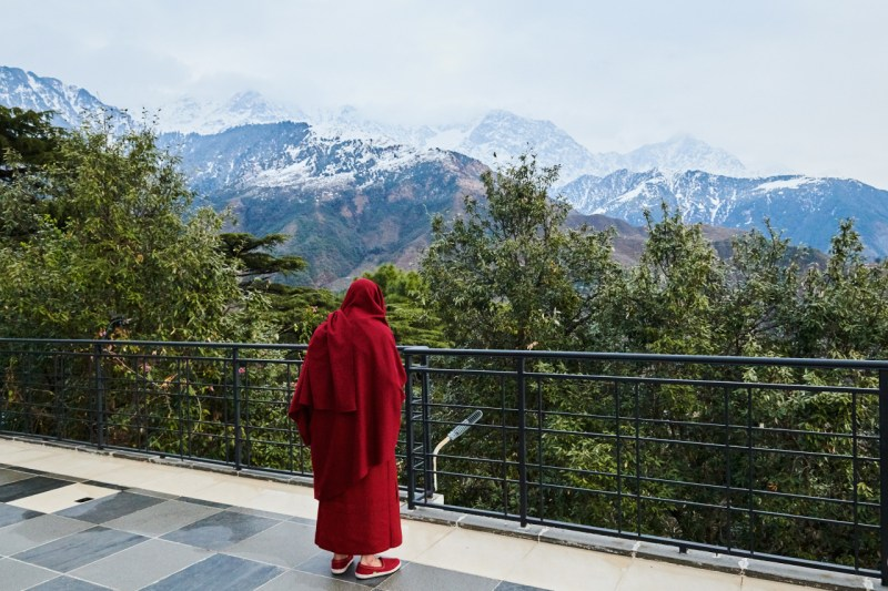 Спустя шесть десятилетий Далай-лама, сфотографированный в феврале, все еще надеется, что он снова посетит место своего рождения.