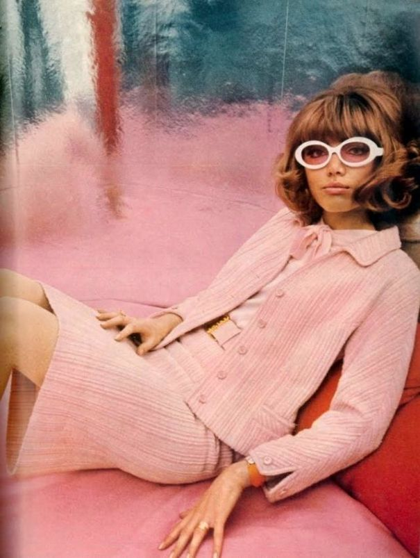 91700990a5c Groovy Sixties  24 fabulous photos defined the 1960s women s fashion.