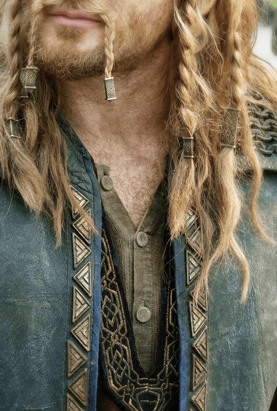 Middle Earth + Costume Details | ©