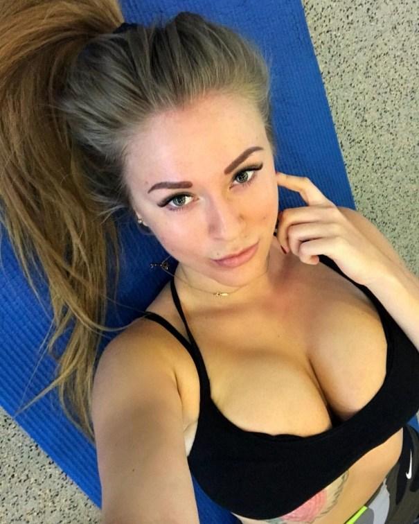 Kaylee (21 Photo) – Teaching