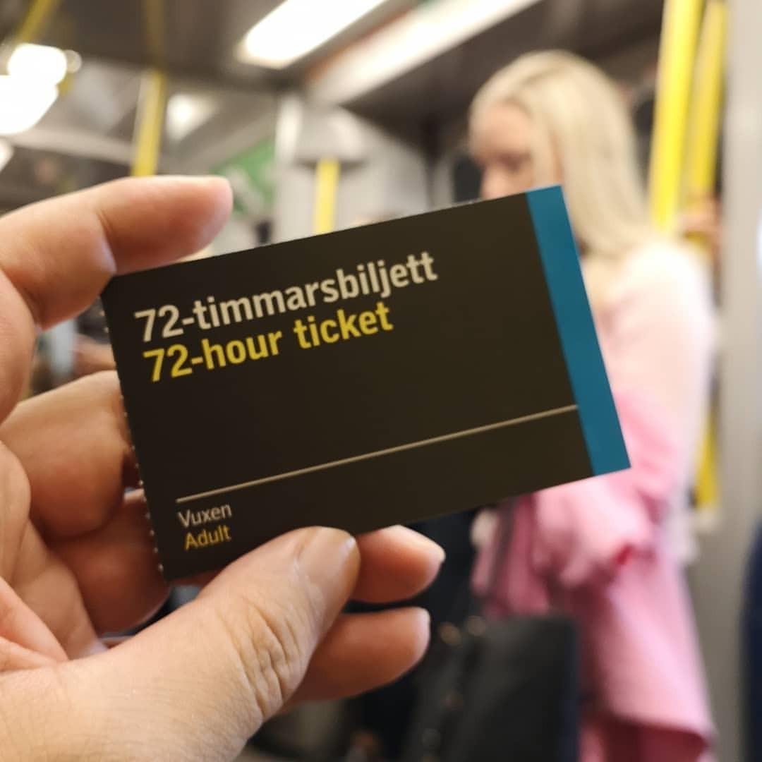 単なる厚紙かと思いきやNFCチップ入りの72時間乗り放題チケット (Stockholms Centralstation)https://www.instagram.com/p/Bn_wPrUh2wZ/?utm_source=ig_tumblr_share&igshid=8paconuiipls