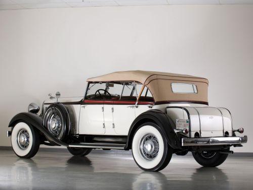 """"""" """" Chrysler 1933 """" """""""