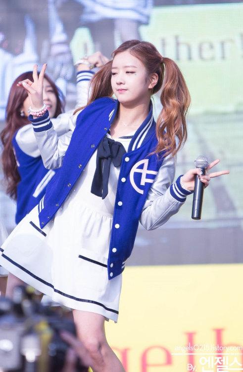 girl and fashion,Korean Girls,Korean,Model,Dream Girls,Korean Model,Korean Girl,korea, beautiful,Pop idol, Girl group A Pink, Girl group, A Pink,