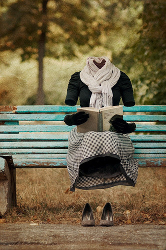 books, reading, sit, bench, blue, black, white, summer read, author blog, dress, outfits, invisible, nerd, book love,
