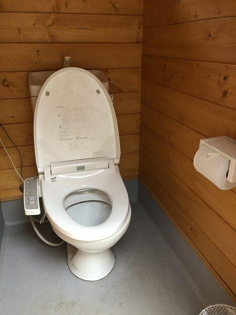 久保キャンプ場トイレ