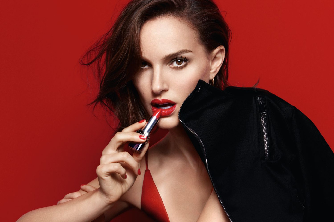 DIOR ROGUE Fall 2016 beauty collection actress Natalie Portman